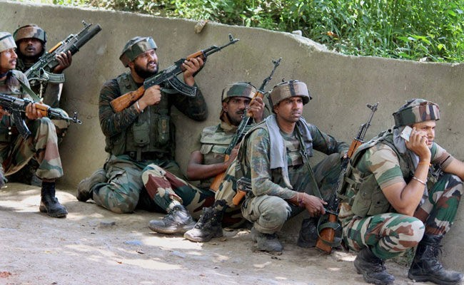 Gunmen loot bank in south Kashmir