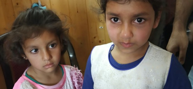Srinagar police seeks help of general public in the identification of residential particulars of two minor sisters