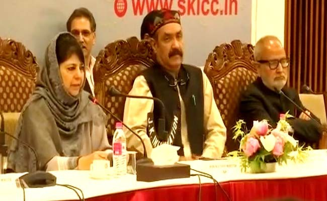 At Kashmir All-Party Meeting, A Call For Vajpayee-Like Initiatives
