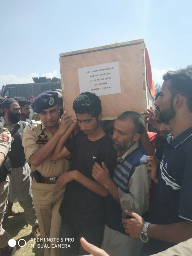 Wreath laying ceremony for 03 Police Personal  held at DPL Shopian