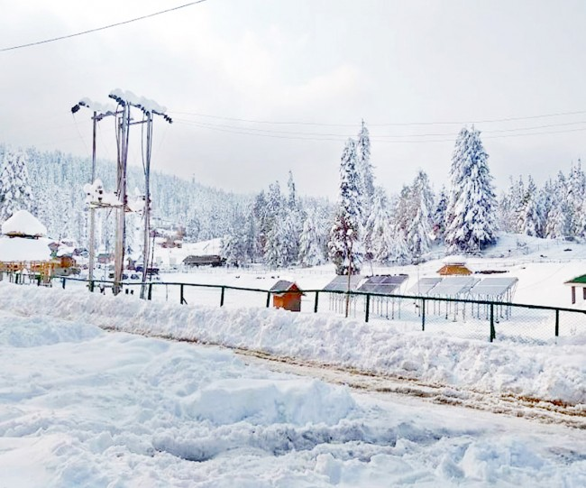 Fresh warning for heavy to very heavy snow issued in J&K