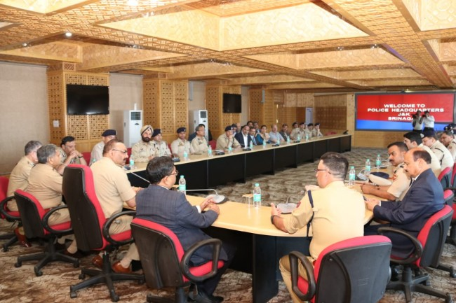 DGP chairs officers meet;  Directs them to tone up grievance redressal system; enhance capacities for fast delivery