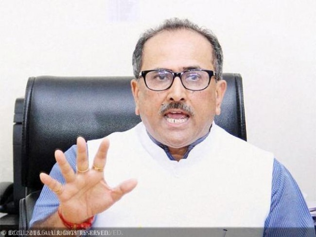 Dr. Nirmal Singh visits relief camps, expresses solidarity with shelling hit families
