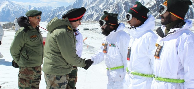NORTHERN ARMY COMMANDER VISITS SIACHEN GLACIER