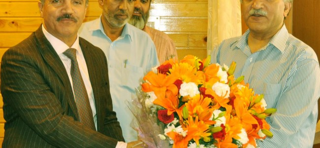 Chairman JK bank called on the Advisor to Governer Khurshid Ahmad Ganai