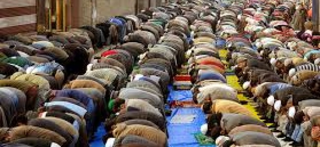 'Khoje-e-Digar' observed, devotees in large number throng shrine, attend special prayers