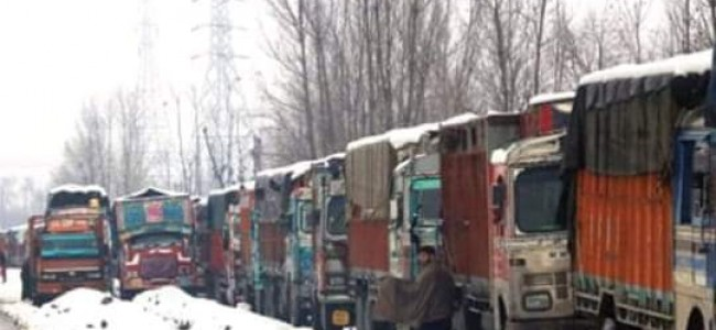Jammu-Srinagar highway off limits for 5th day
