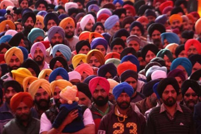 From Kashmir: In gratitude, businesses offer free services and heavy discounts to Sikhs