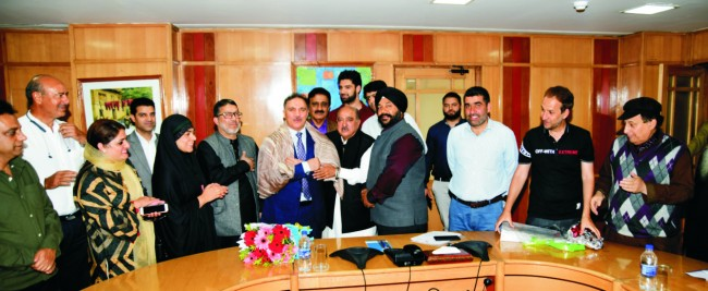 PHD Chamber Kashmir Felicitates Chairman and CEO J&K Bank We need to maintain the positive business sentiment: Parvez Ahmed