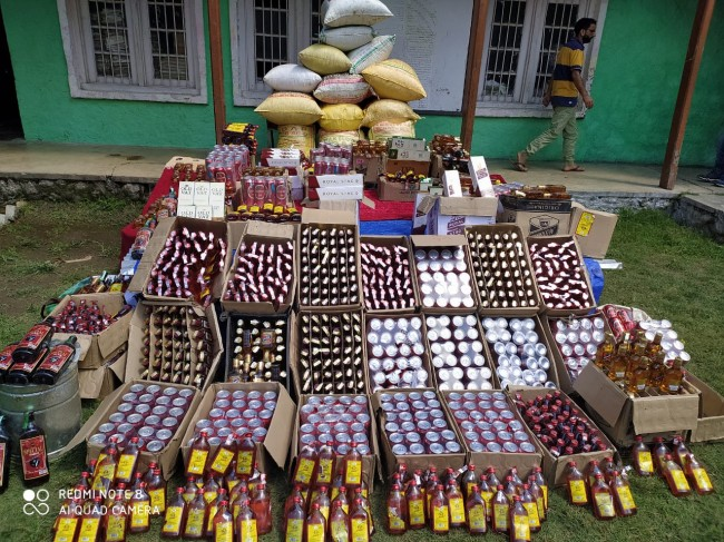 Srinagar Police arrests drug peddler, psychotropic substances recovered