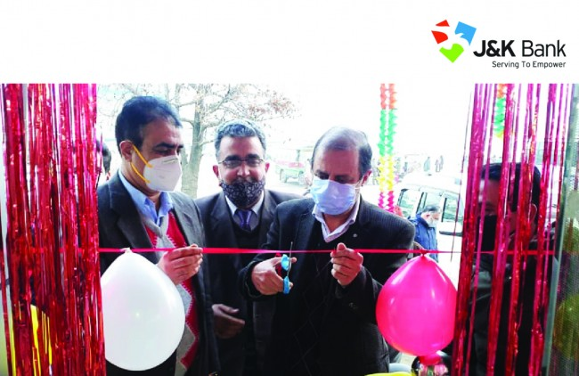 J&K Bank throws open ATM at Budgam